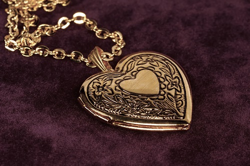 Gold Heart Shape Locket